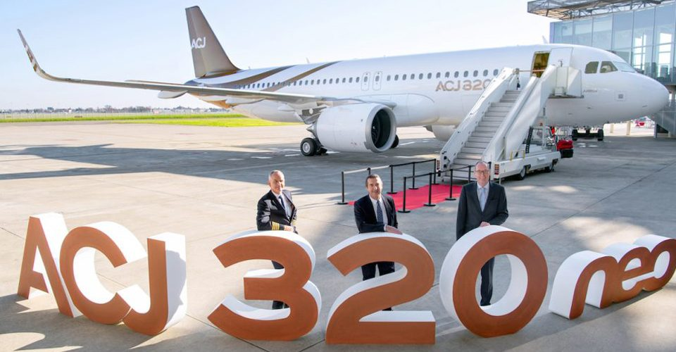 Airbus Hands Over First ACJ320neo