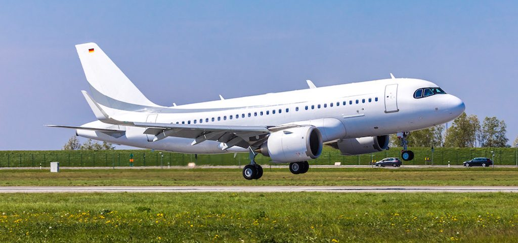 ACJ319neo Completes First Flight