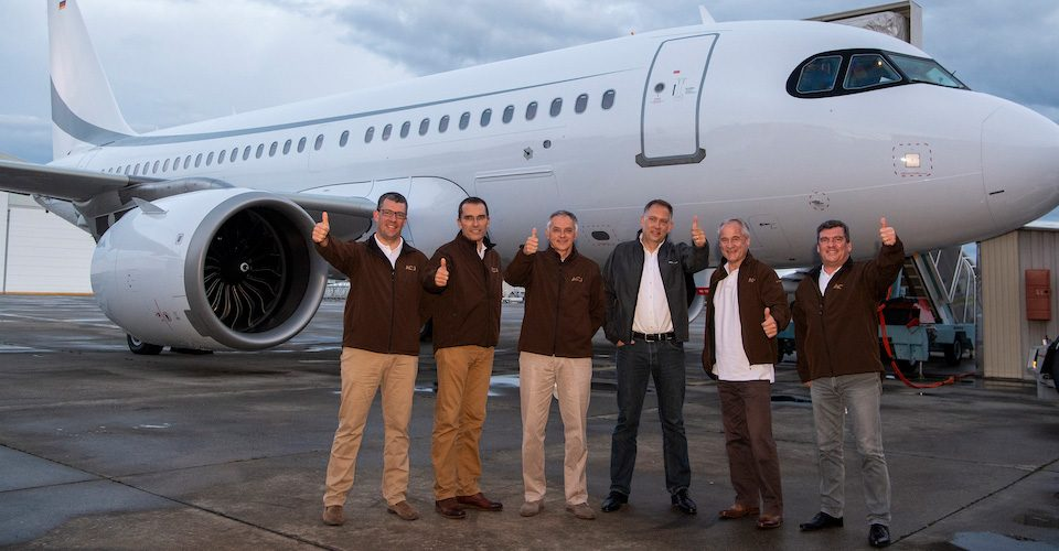 ACJ319neo Crew Sets Longest-flight Mark