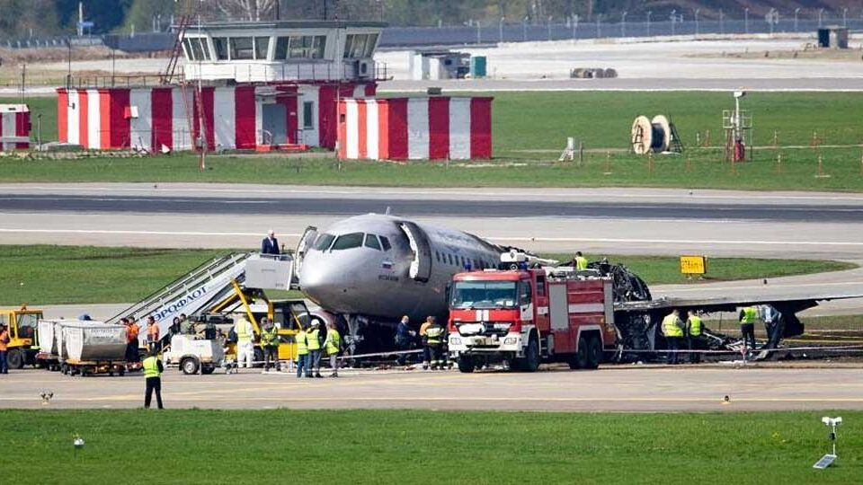Can passengers evacuate jets in 90sec?