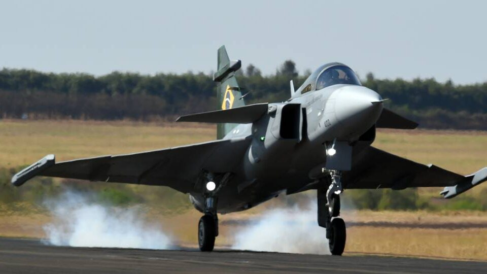 Gripen E Flies in Brazilian Skies