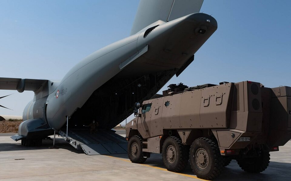 Airbus A400M achieves first airlift of Griffon armored vehicle