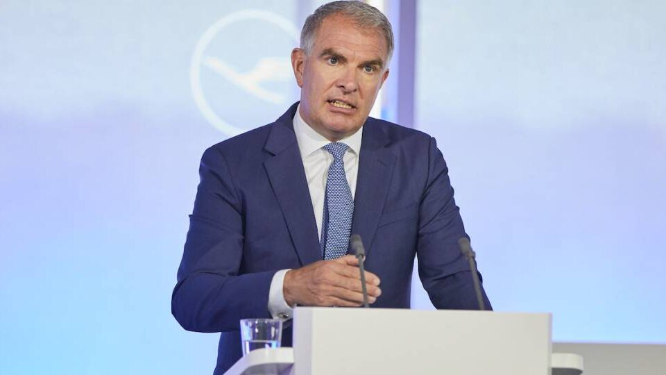 Lufthansa Cuts Costs Faster than Expected, Says CEO