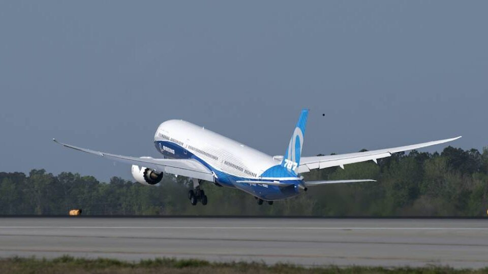 New Quality Problem Further Delays Boeing 787 Deliveries